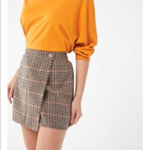 UO Teryn Houndstooth Fray Wrap Skirt